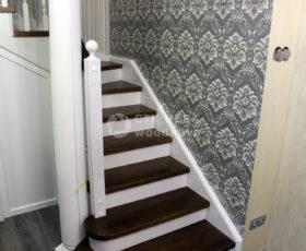 Чем лучше покрыть деревянную лестницу