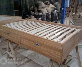 Плюсы и минусы кровати из массива дерева и МДФ
