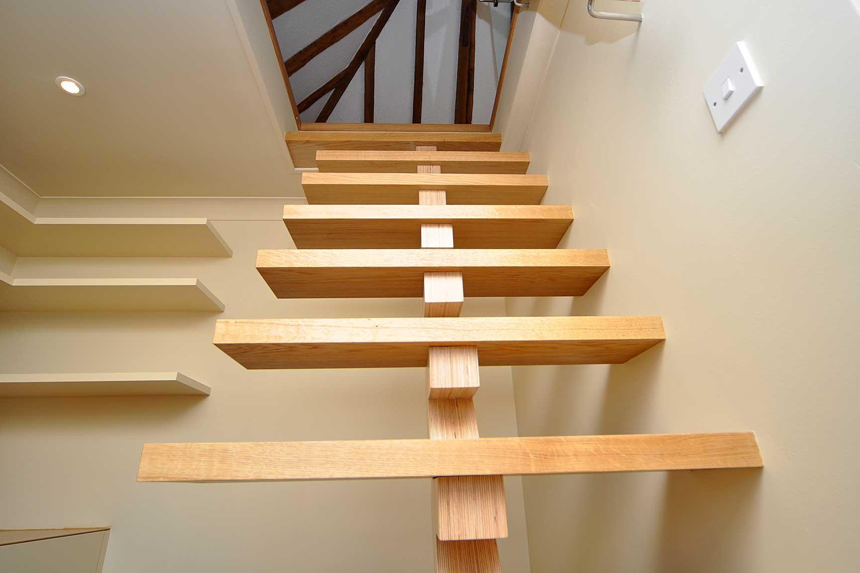 Какие бывают деревянные лестницы