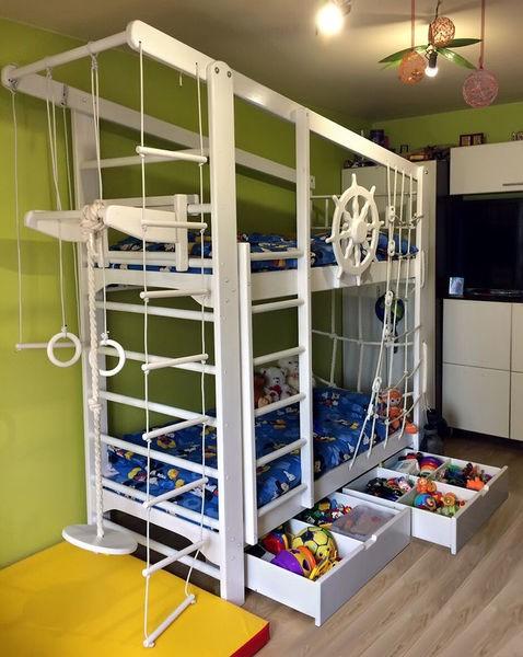 Двухъярусная детская кровать–домик