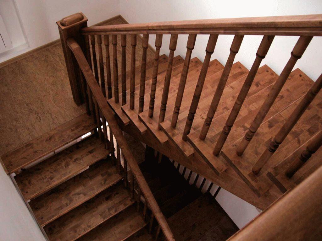 Лестница П-образная с поворотными ступенями P002