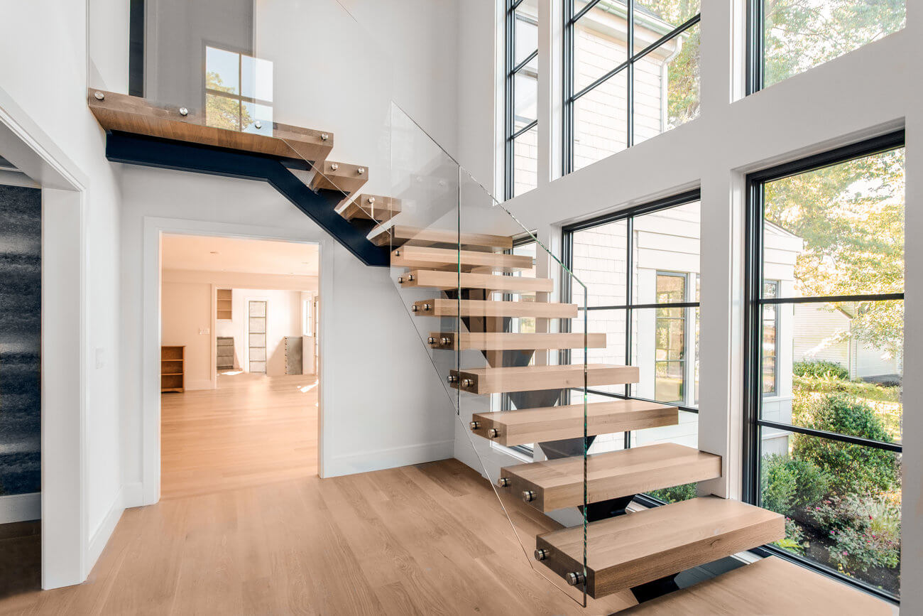 Открытые деревянные лестницы