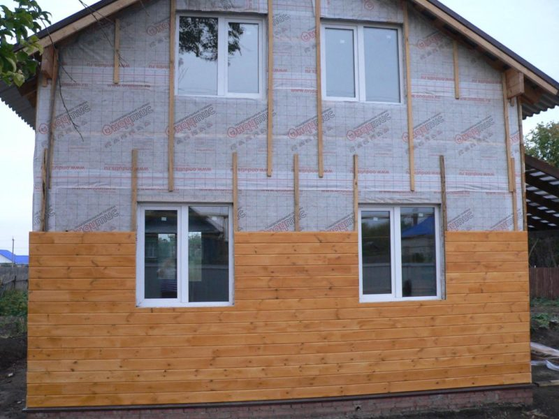Обшивка дома деревянной вагонкой