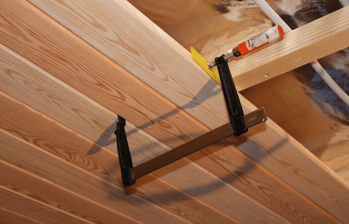 Как сделать потолок из планкена
